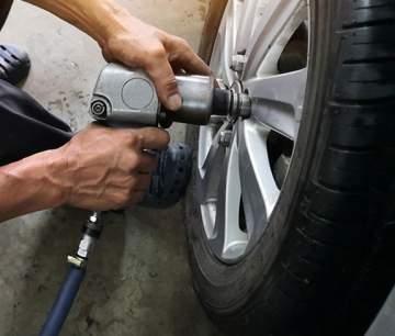 Pose de pneus neige